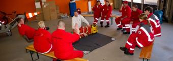 Ausbildung HLW, Schaufeltrage und Spineboard